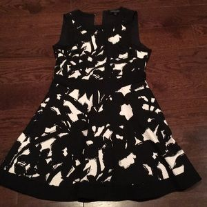 Banana Republic black n white dress